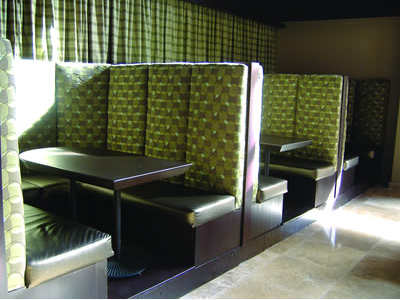 Booths sillones para restaurantes telones castilla for Sillones para bar